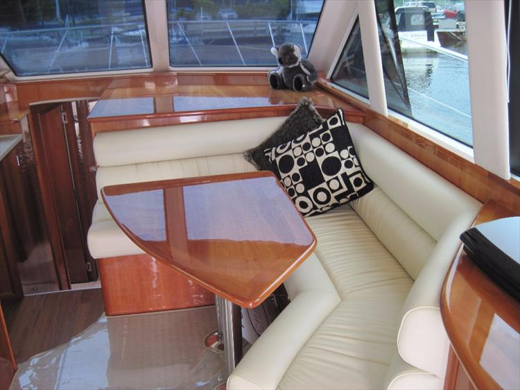 Photo 16 of 26 - 2008 Riviera 47 Open Flybridge Series II for sale
