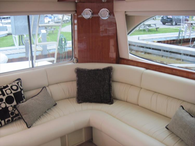 Photo 17 of 26 - 2008 Riviera 47 Open Flybridge Series II for sale