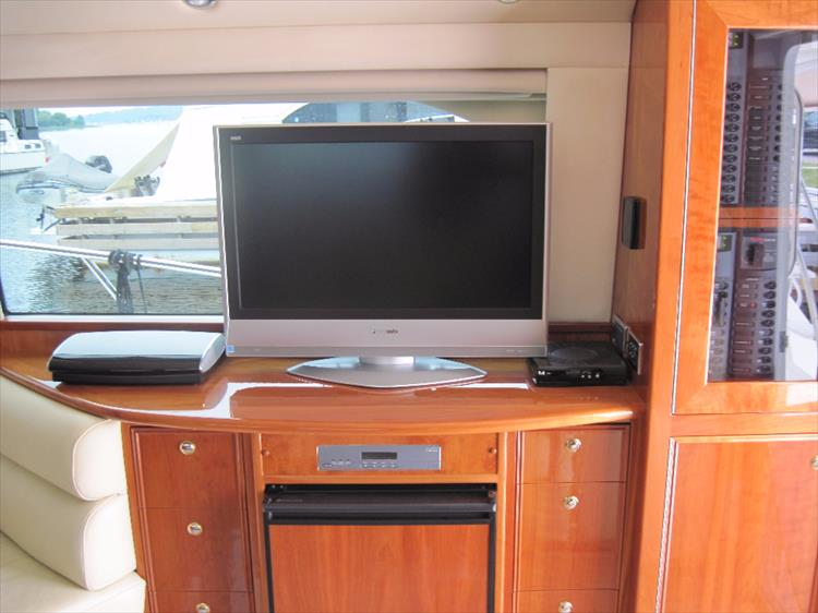 Photo 18 of 26 - 2008 Riviera 47 Open Flybridge Series II for sale