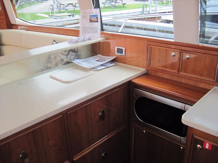 Photo 20 of 26 - 2008 Riviera 47 Open Flybridge Series II for sale