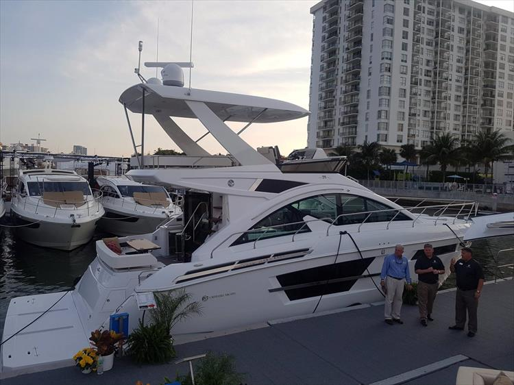 Photo 1 of 44 - 2018 Cruisers Yachts 54 Cantius FLY for sale