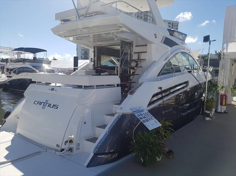 Photo 3 of 62 - 2019 Cruisers Yachts 60 Cantius FLY for sale