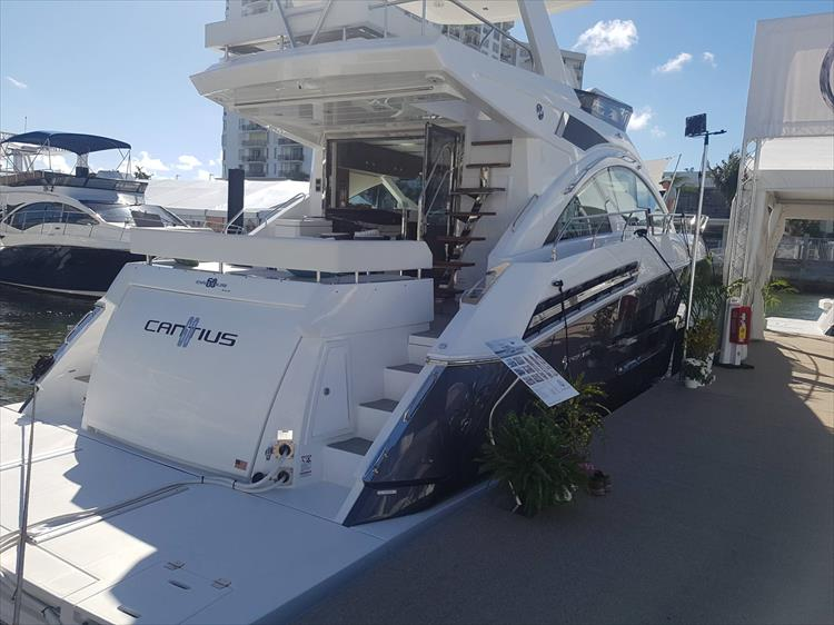 Photo 4 of 62 - 2019 Cruisers Yachts 60 Cantius FLY for sale