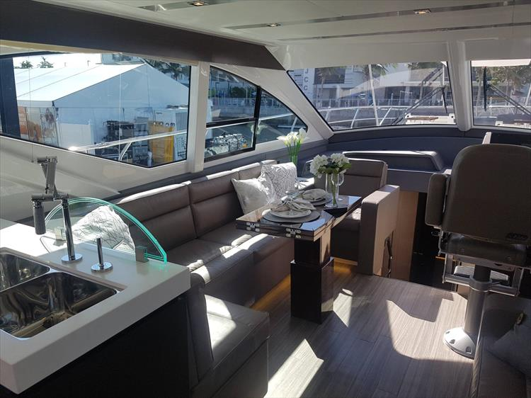 Photo 10 of 62 - 2019 Cruisers Yachts 60 Cantius FLY for sale
