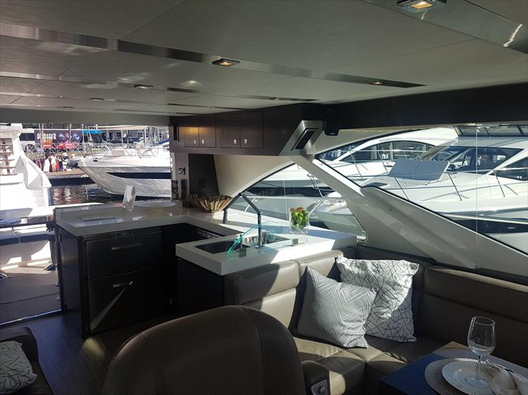 Photo 43 of 62 - 2019 Cruisers Yachts 60 Cantius FLY for sale