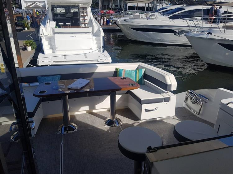Photo 45 of 62 - 2019 Cruisers Yachts 60 Cantius FLY for sale