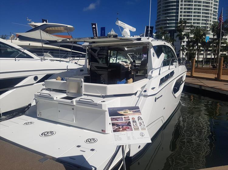 2019 Cruisers Yachts 42 Cantius - Crate's Lake Country Boats