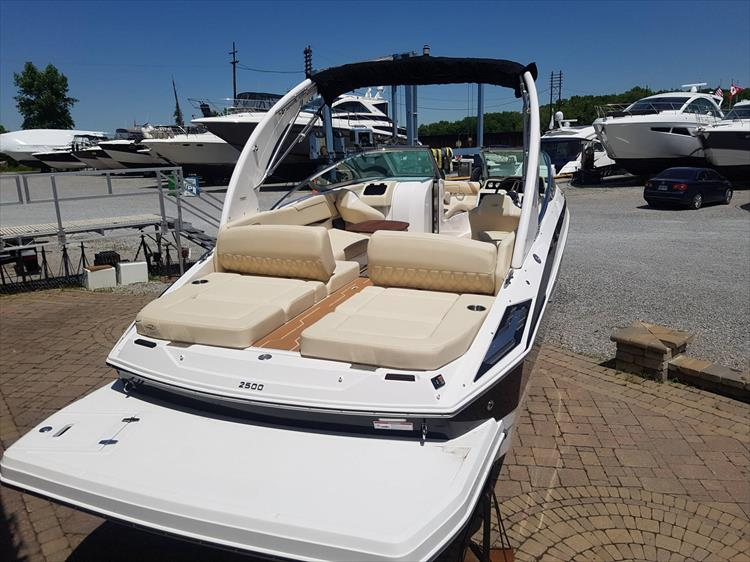 Photo 4 of 34 - 2018 Regal 2500 for sale