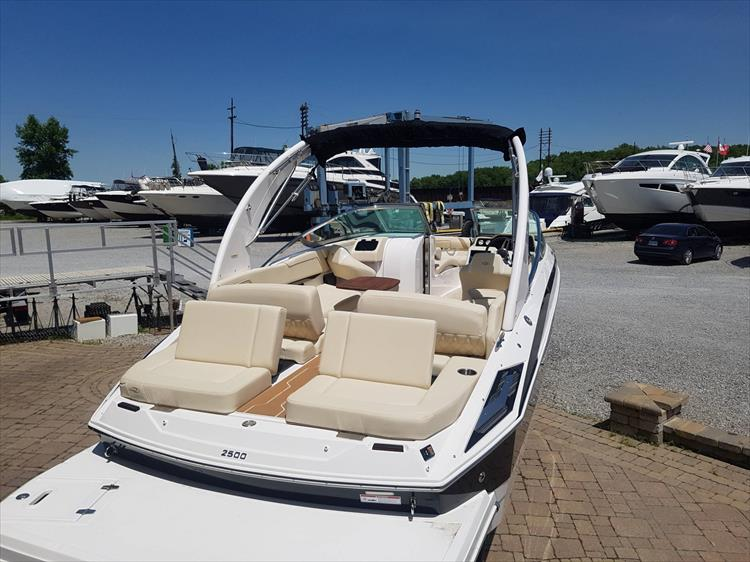 Photo 5 of 34 - 2018 Regal 2500 for sale