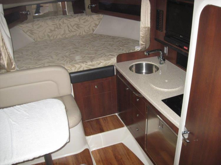 Photo 41 of 67 - 2013 Chaparral 290 Signature for sale