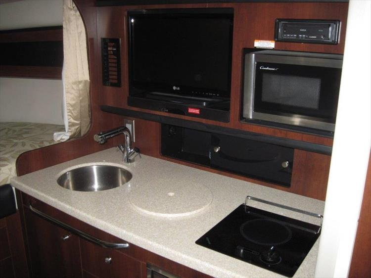 Photo 50 of 67 - 2013 Chaparral 290 Signature for sale