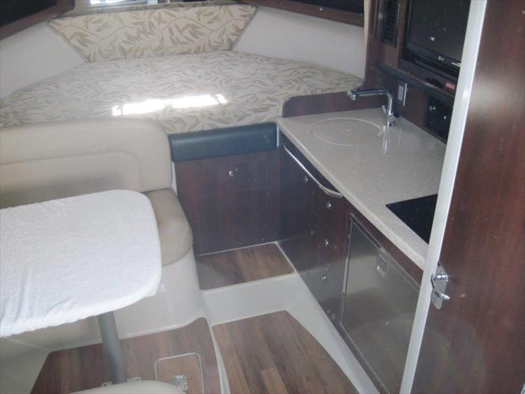 Photo 42 of 67 - 2013 Chaparral 290 Signature for sale