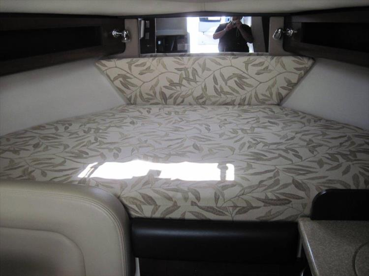 Photo 44 of 67 - 2013 Chaparral 290 Signature for sale