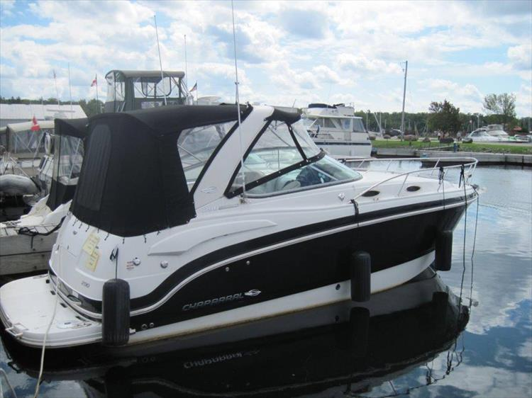 Photo 3 of 67 - 2013 Chaparral 290 Signature for sale