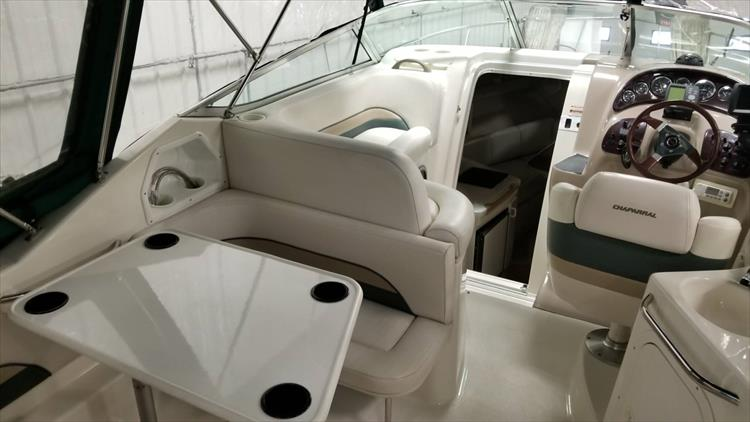 Photo 9 of 36 - 1999 Chaparral 260 Signature for sale