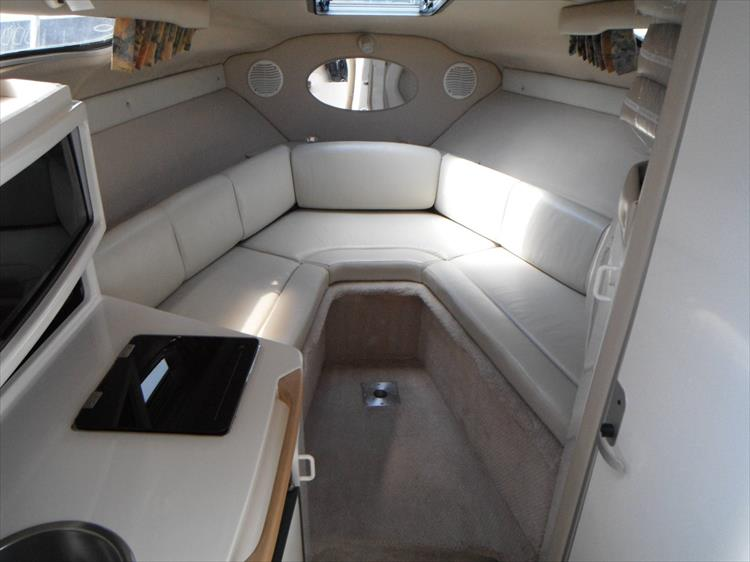 Photo 18 of 36 - 1999 Chaparral 260 Signature for sale