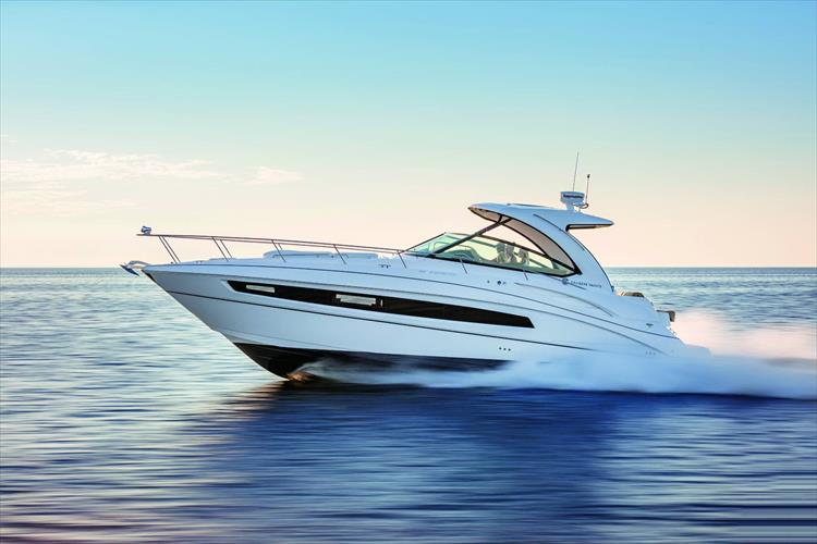 Photo 1 of 11 - 2018 Cruisers Yachts 38 Express for sale
