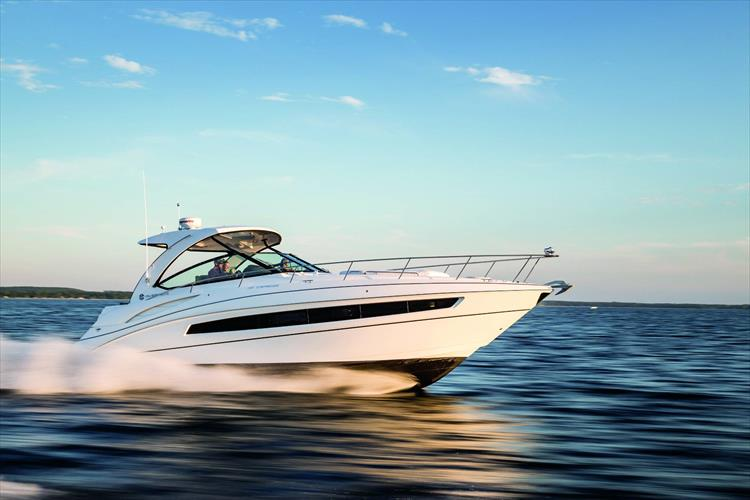 Photo 11 of 11 - 2018 Cruisers Yachts 38 Express for sale