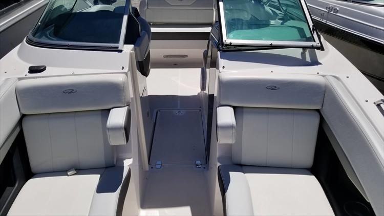 Photo 21 of 30 - 2013 Regal 24 Fasdeck RX for sale