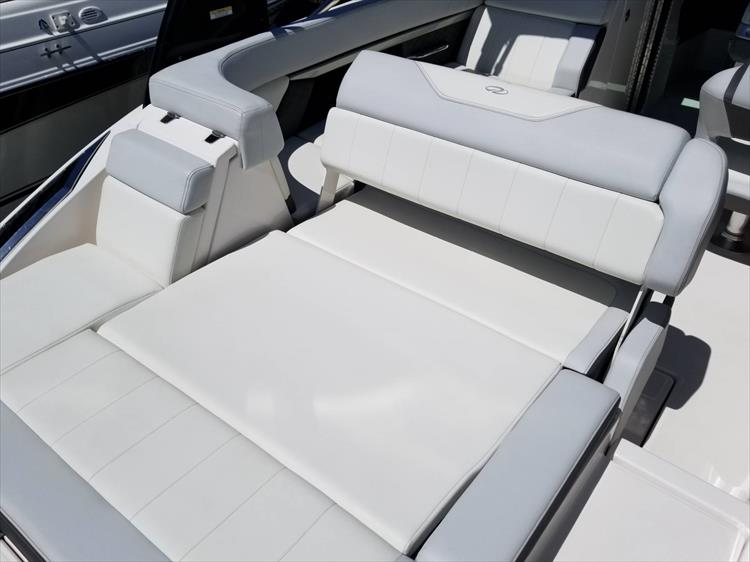 Photo 6 of 30 - 2013 Regal 24 Fasdeck RX for sale