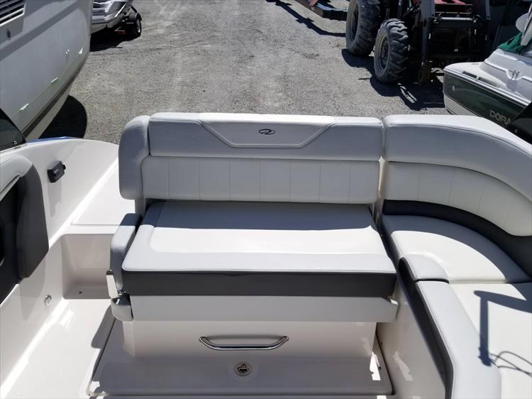 Photo 7 of 30 - 2013 Regal 24 Fasdeck RX for sale