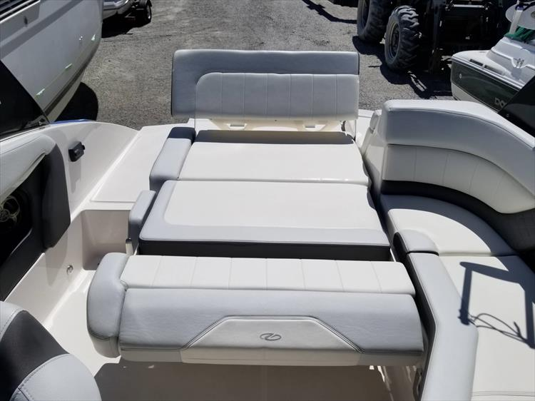 Photo 8 of 30 - 2013 Regal 24 Fasdeck RX for sale