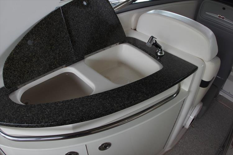 Photo 17 of 39 - 2011 Chaparral 285 SSX for sale