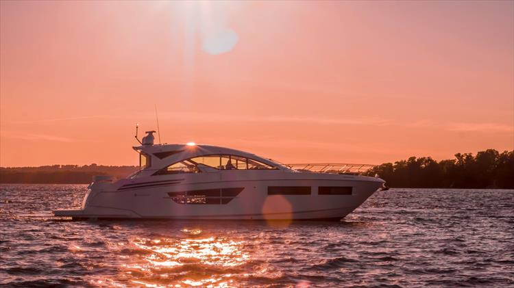 Photo 6 of 68 - 2018 Cruisers Yachts 60 Cantius for sale