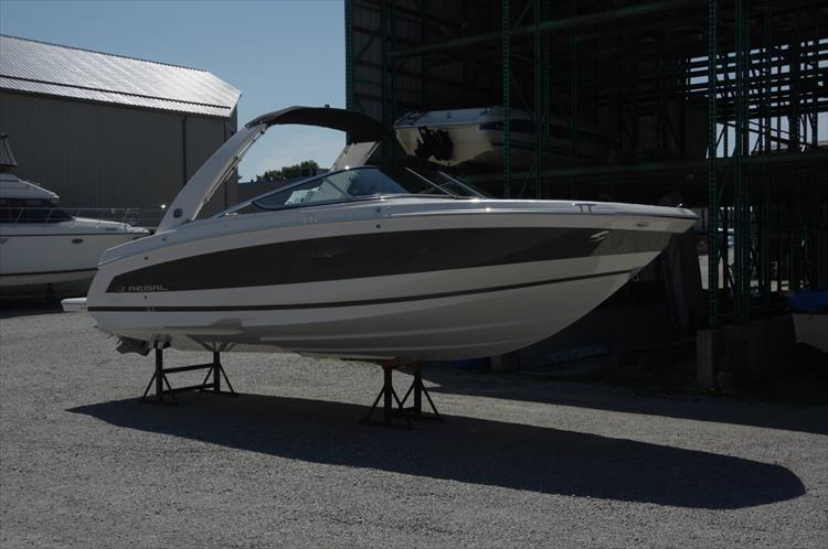 Photo 1 of 27 - 2019 Regal 26 Fasdeck for sale