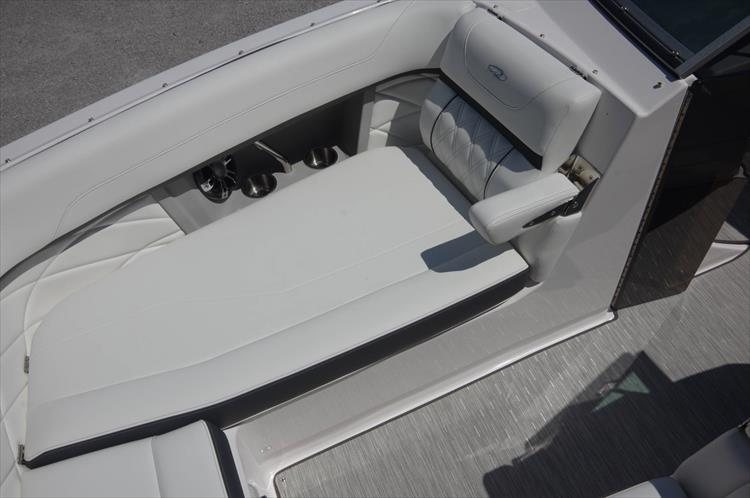 Photo 23 of 27 - 2019 Regal 26 Fasdeck for sale