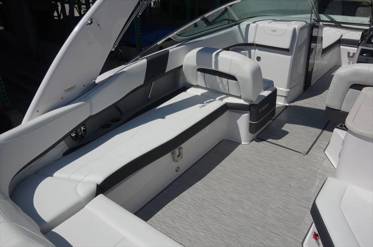 Photo 7 of 27 - 2019 Regal 26 Fasdeck for sale