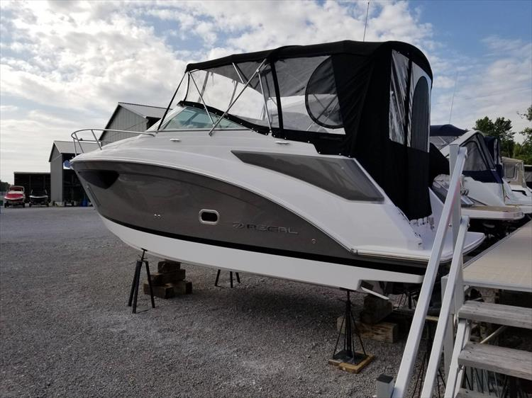Photo 4 of 26 - 2017 Regal 26 Express for sale
