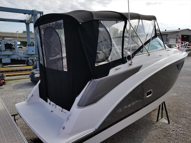 Photo 5 of 26 - 2017 Regal 26 Express for sale