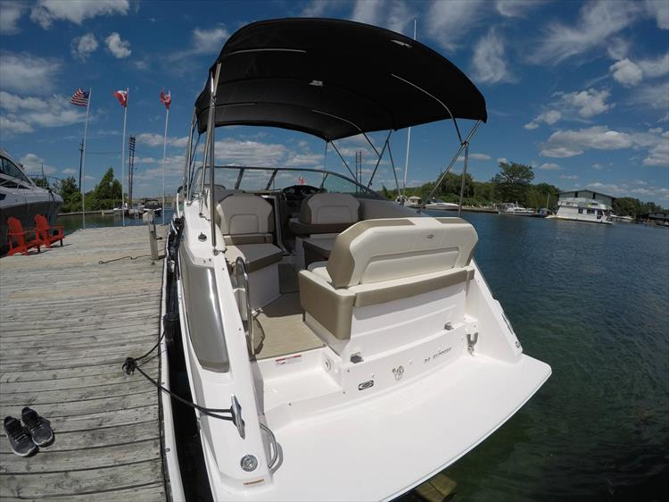 Photo 15 of 26 - 2017 Regal 26 Express for sale