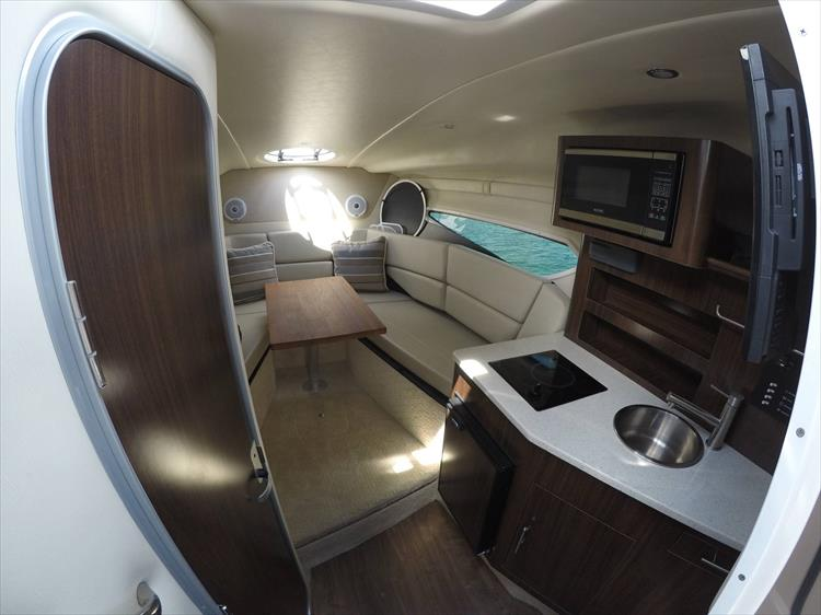 Photo 22 of 26 - 2017 Regal 26 Express for sale