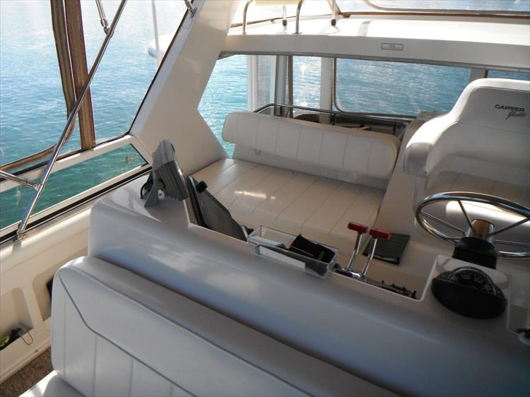 Photo 18 of 67 - 1997 Carver 445 Aft Cabin Motor Yacht for sale