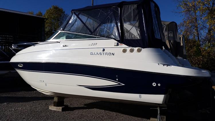Photo 2 of 26 - 2007 Glastron GS 259 Express for sale