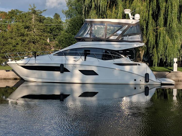 Photo 1 of 3 - 2016 Sea Ray 400 Fly for sale