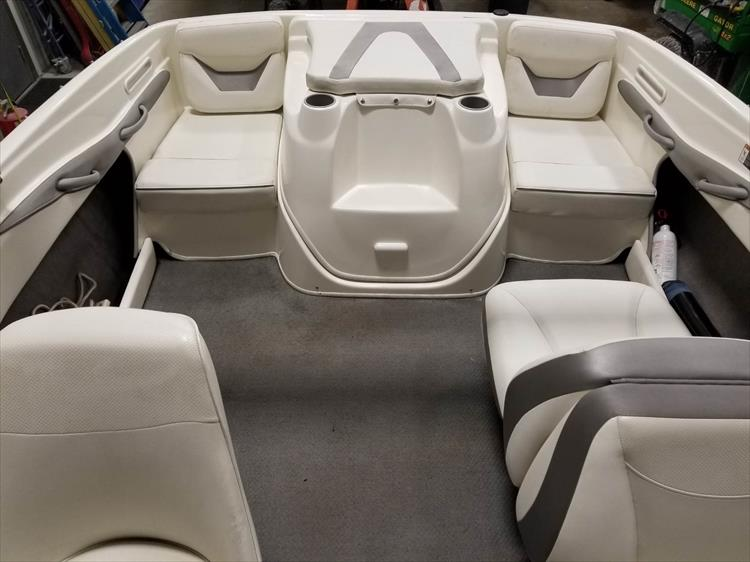 Photo 12 of 15 - 2008 Bayliner 185 Bowrider for sale