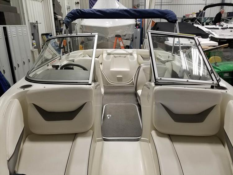 Photo 15 of 15 - 2008 Bayliner 185 Bowrider for sale