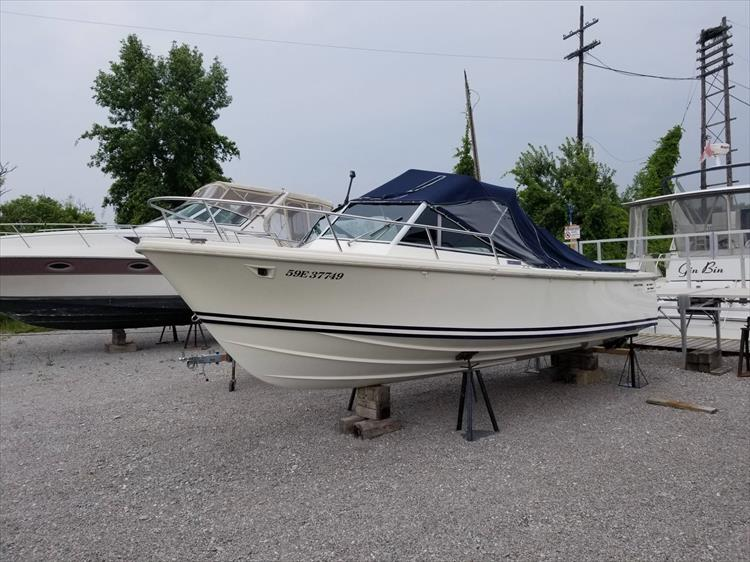 Photo 1 of 37 - 2003 Limestone 22 Closed Deck for sale