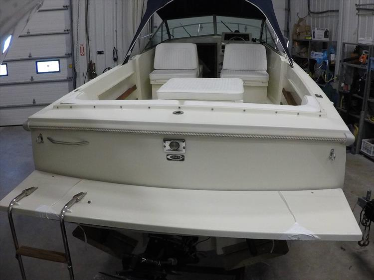 Photo 8 of 37 - 2003 Limestone 22 Closed Deck for sale