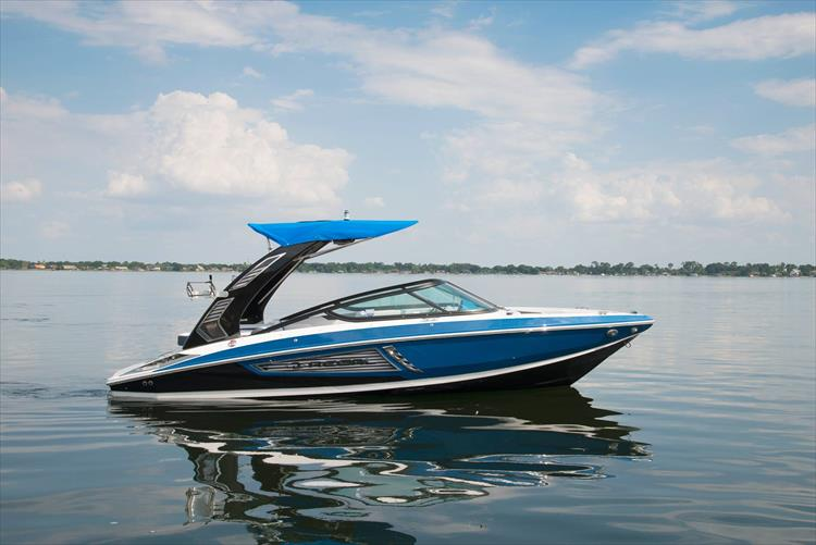 Photo 5 of 16 - 2019 Regal 21 RX Surf for sale