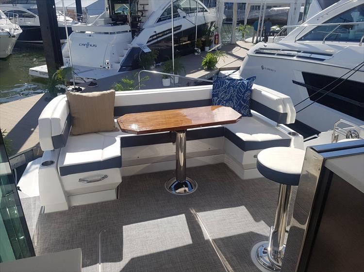 Photo 37 of 40 - 2019 Cruisers Yachts 50 Cantius for sale