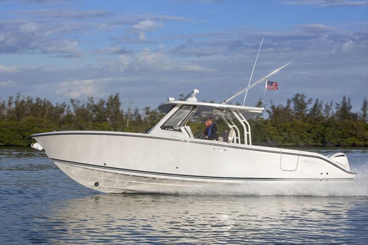 Photo 1 of 34 - 2019 Pursuit S 328 for sale