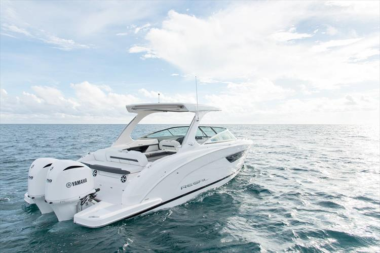 Photo 9 of 37 - 2019 Regal 33 OBX for sale