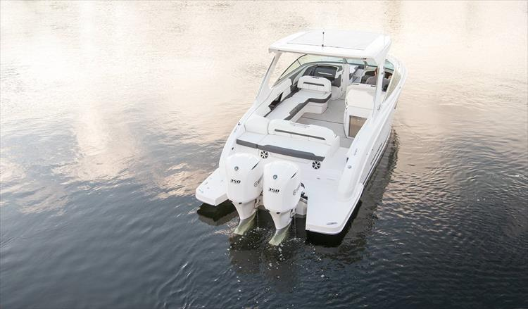 Photo 11 of 37 - 2019 Regal 33 OBX for sale