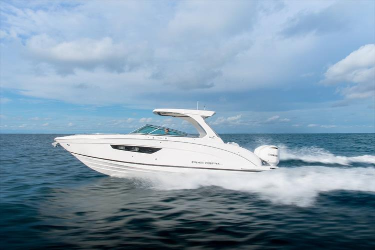 Photo 3 of 37 - 2019 Regal 33 OBX for sale