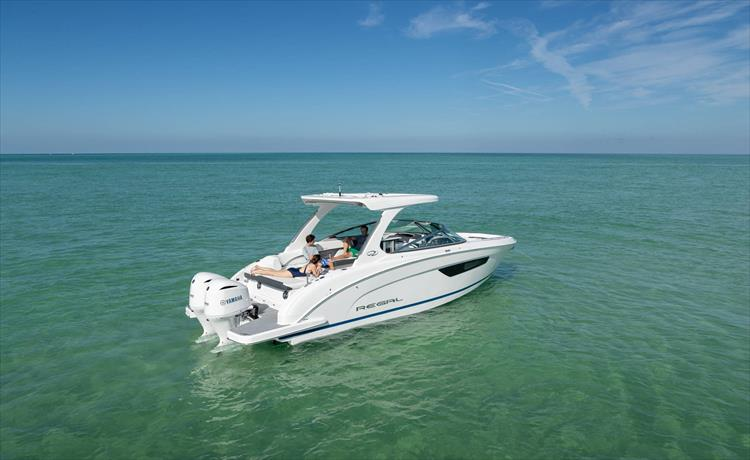 Photo 6 of 37 - 2019 Regal 33 OBX for sale