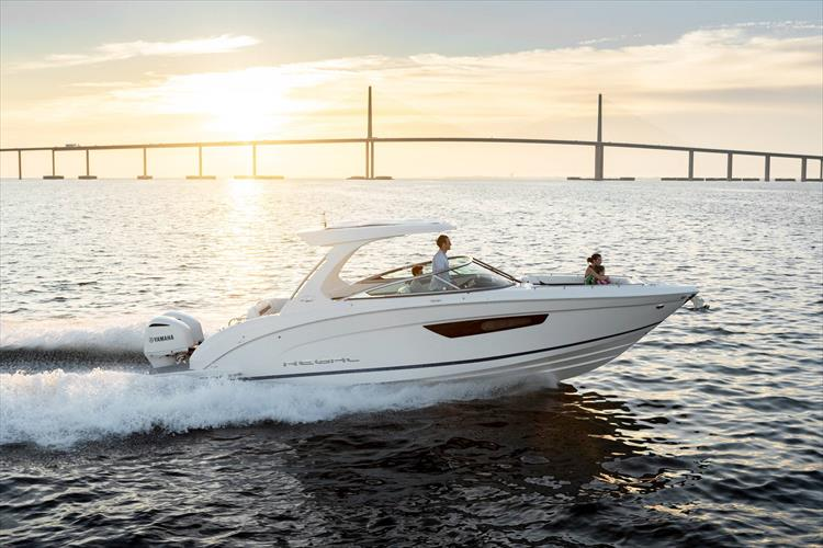 Photo 2 of 37 - 2019 Regal 33 OBX for sale